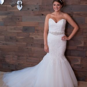 Alfred Angelo wedding dress size 14!